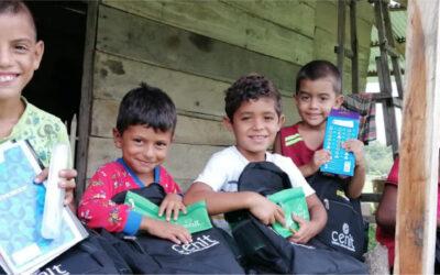 Iniciamos la entrega de más de 10.000 kits escolares en diferentes regiones del país
